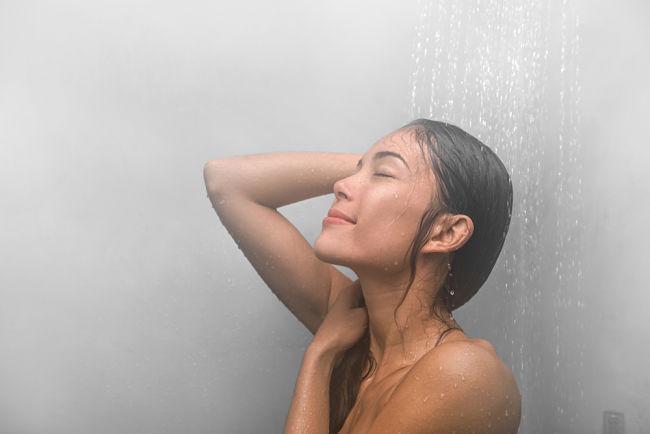 Nastavení správné teploty vody v ohřívači pomůže ušetřit.