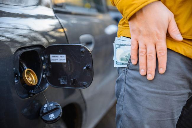 S autem na LPG budete jezdit o polovinu levněji než s benzinovým motorem.