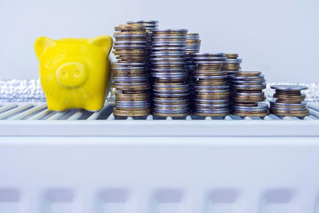 Cena za 1 kWh plynu je dvakrát až třikrát nižší než částka za stejné množství elektřiny.